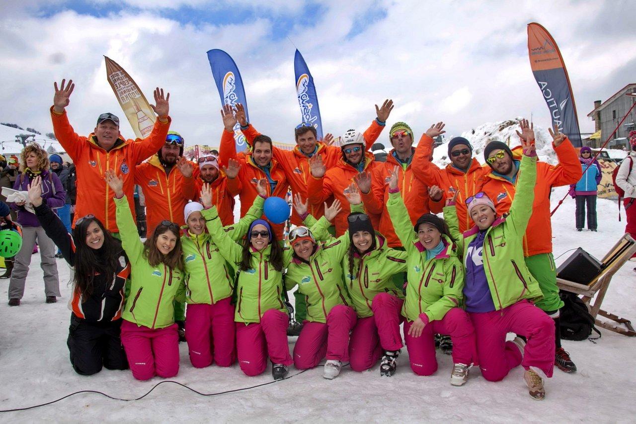 skiteam.gr-ski-academy-vasilitsa-16-03-2015-instructors-02